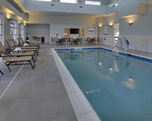 The indoor pool at Staybridge Suites Madison-Fitchburg