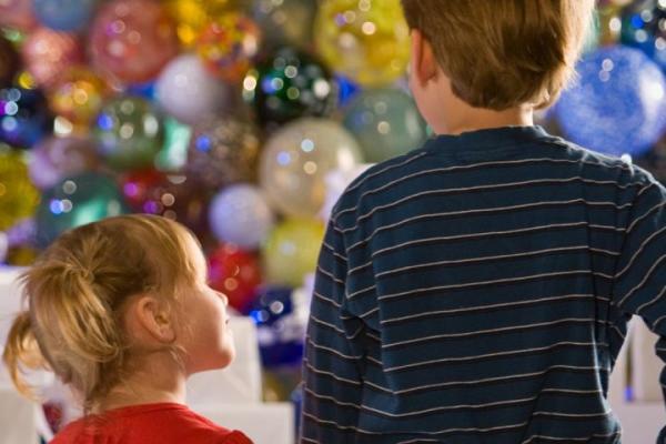 cmog holiday tree kids 0