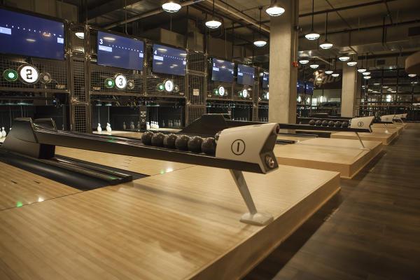 Duck pin bowling lanes at PINS Mechanical.