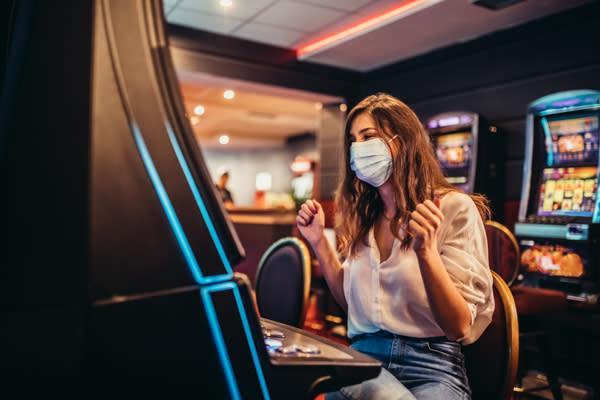 Slot Machine winner with mask