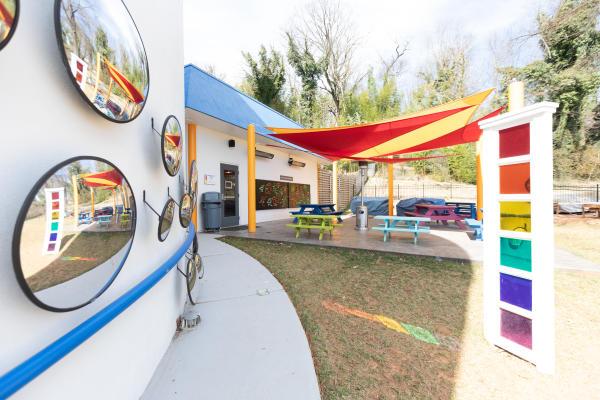 Children's science museum offering hands-on exhibits & activities, plus play spaces & a planetarium.