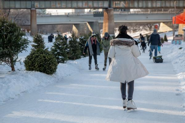 Le patinage à La Fourche - skating at The Forks
