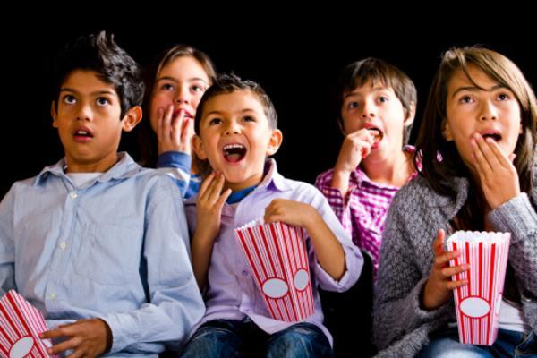 kids_outdoor_movie