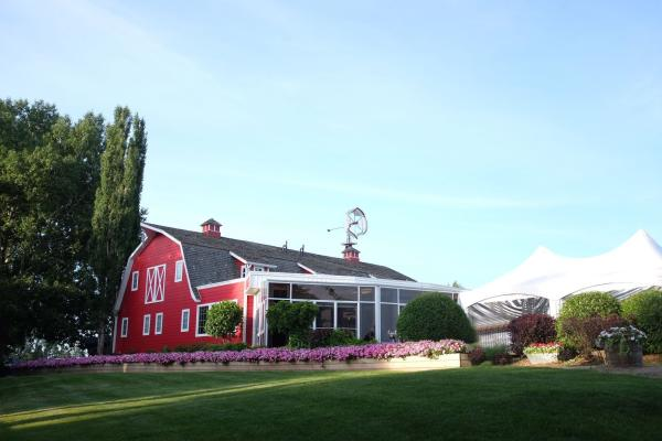 Exterior of the Berry Barn