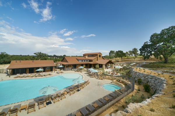 CavaRobles Pool View