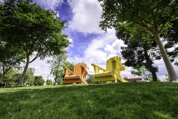 garden-grove-park-chairs