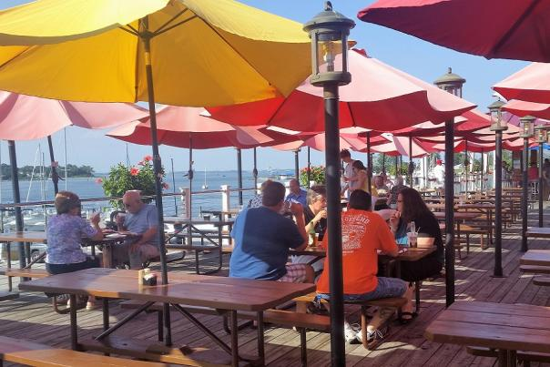 Crabs, Beer and a Water View—Woo Hoo_FEATURE