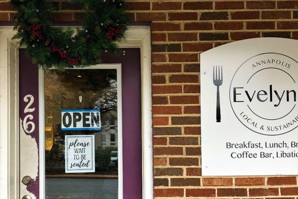 West Annapolis Dining at Evelyn's