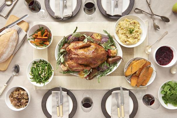 Thanksgiving Dinner Table (1)
