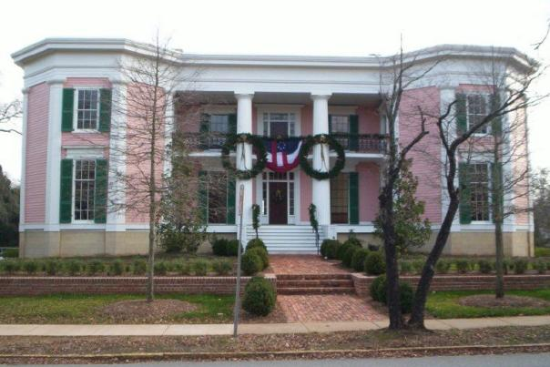 TRR Cobb House Christmas