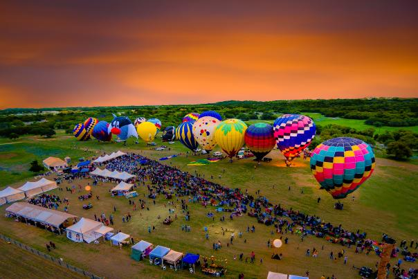 Balloons Over Horseshoe Bay Resort 2015. Courtesy of Joe Purvis, full usage.
