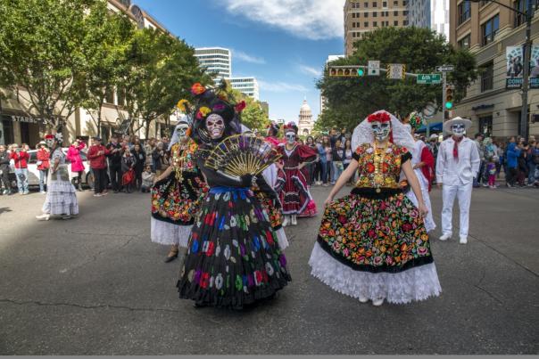 Viva la Vida Parade. Credit Chris Caselli.