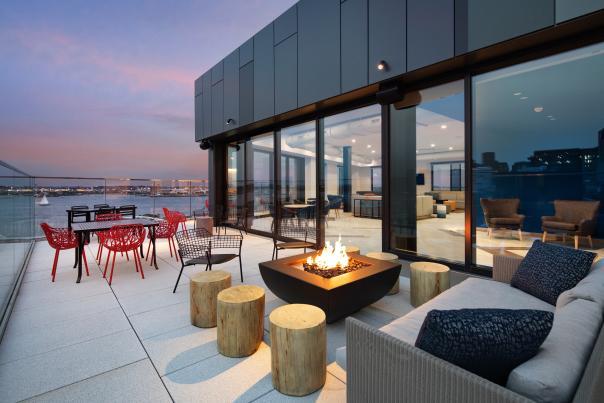 Hyatt Place Boston / Seaport District
