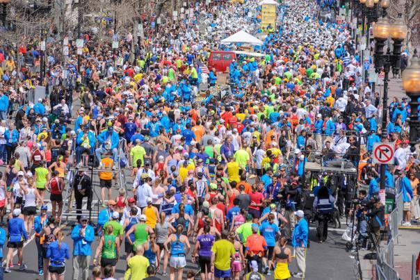 marathon spectator policies crowd of runners