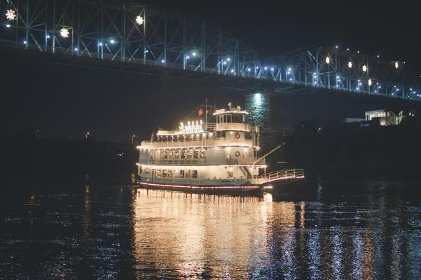 Hol_Southern Belle Riverboat Christmas