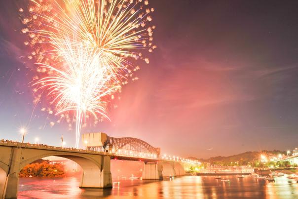 Fireworks_Market Street Bridge