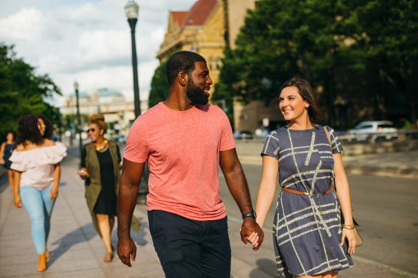 Couple walking in downtown Columbus, OH