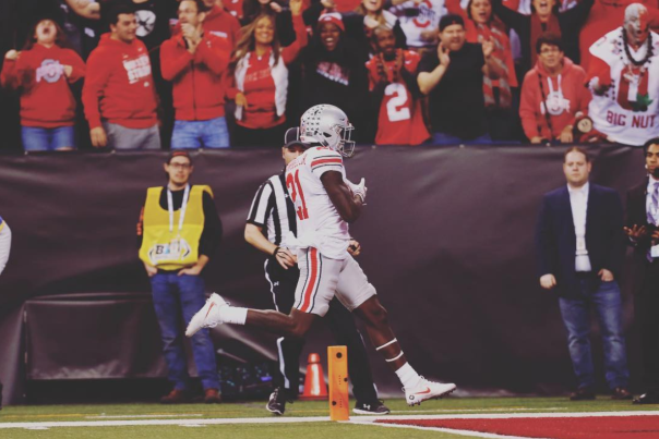Parris Campbell Jr. scores a touchdown for Ohio State