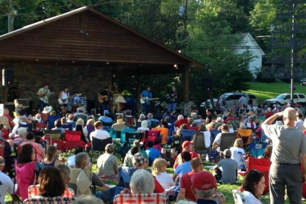 Dahlonega's First Friday Concert Series  Kicks Off on May 6
