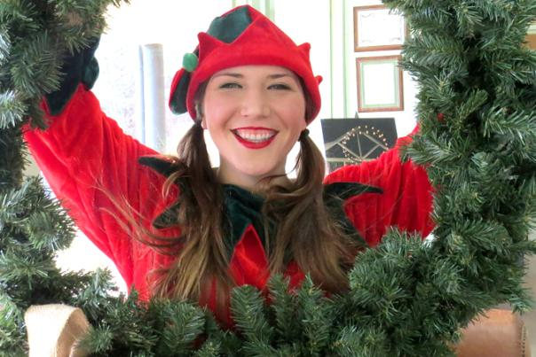 A Very Special Interview – Meet the Dahlonega Elf!