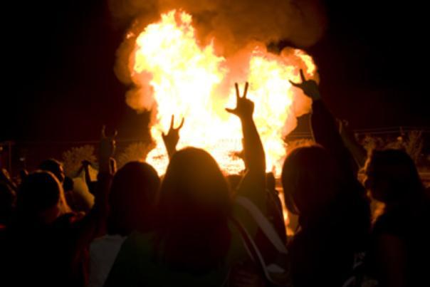 UNT homecoming bonfire