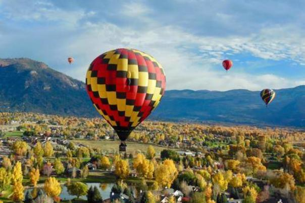 The Animas Valley Balloon Rally Lights Up Durango