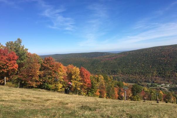 Bristol-Mountain-view-blue-sky-fall-foliage
