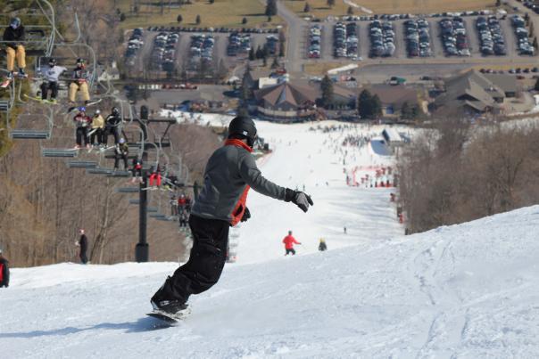 finger-lakes-bristol-mountain-canandaigua-winter-skiers