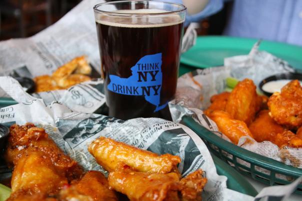 green-front-food-drink-beer-wings-print