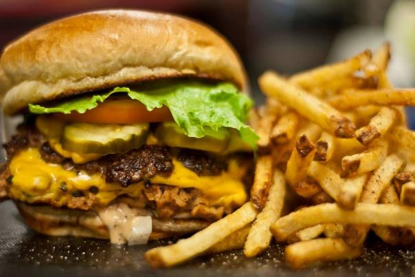 Big-Al's-cheeseburger-and-fries