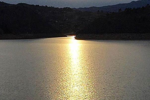 Horsetooth-Reservoir-Sunset