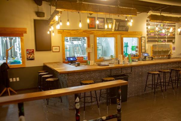 Hop River Brewing Company bar