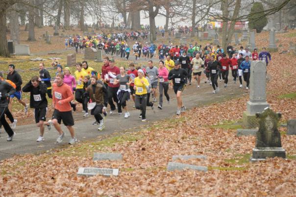 Galloping Gobbler - Thanksgiving Run Through Lindenwood Cemetery - Fort Wayne, IN
