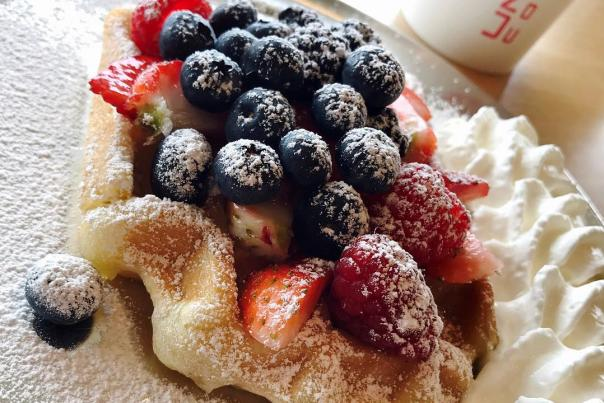 United Coffee Mixed Berries Waffle