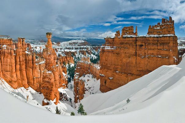 a-red-and-white-christmas-in-bryce-canyon-country