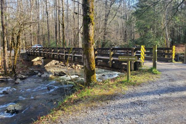 Greenbrier Road Sections Temporarily Closed for Bridge Replacement