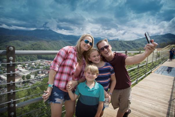 skybridge-gatlinburg-family