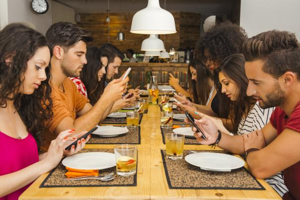 Plan your next meal in advance by using one of the many food and beverage apps that works for Grand Rapids establishments.