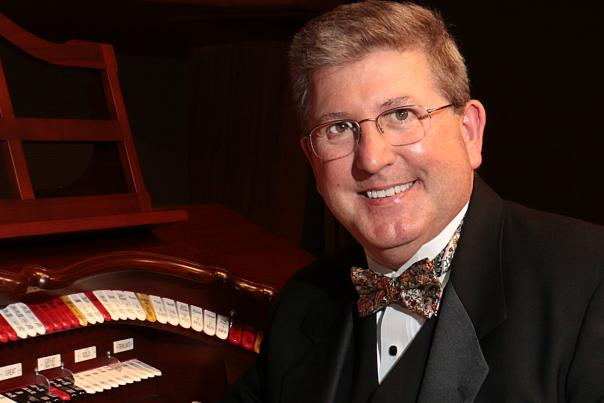 Grand Rapids Public Museum Finishes 2018 Mighty Wurlitzer Organ Concert Series with Holiday Shows