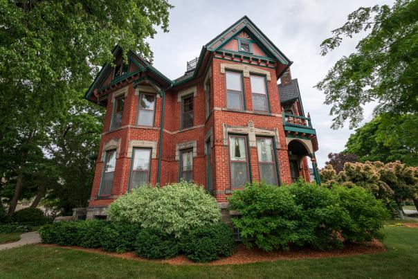UGC - Places to Stay - Bed + Breakfasts - Historic Webster House Bed & Breakfast - @cwilhelm6