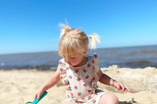 UGC - Waterfront - Beaches - Bay City State Park - Little Girl Playing in Sand - @shineonsunfish