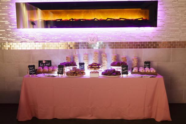 Donut Display at a Wedding | www.ErikaBrownPhotography.com