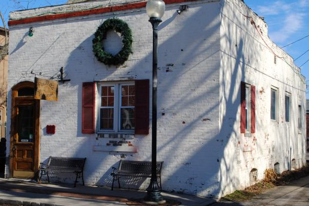 Perillo's Pizzeria building