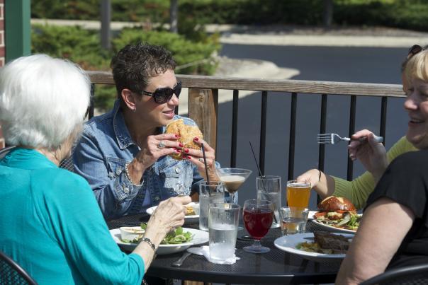 Black Swan Brewpub outdoor dining