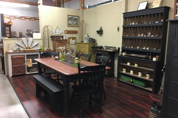 Gilley's Antique & Decorator Mall