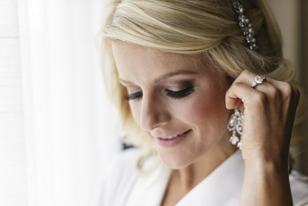 Bride Getting Ready on Wedding Day | Erika Brown Photography