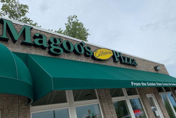Magoo's California Pizza, Avon exterior