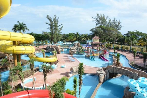 Jamaica_20150304_Runaway-Bay-waterpark-560x373