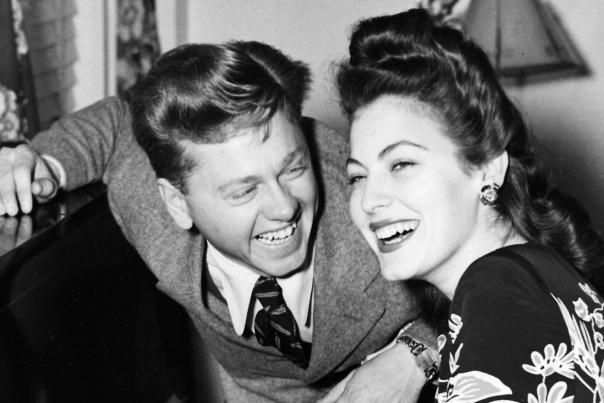 Ava and Mickey Rooney get married in 1941.