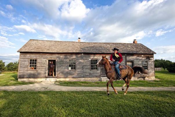 horse-rider-pony-express